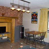 Sandgate apartment 3 minutes from beach, hotel in Sandgate