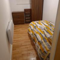 1 bed flat with private toilet and shared kitchen