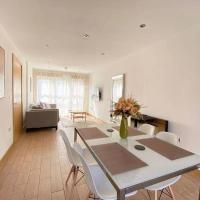 Luxruy 3 Beds Townhouse For Family SA1 Nearby the Centre