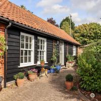 Courtyard Cottage, Poplar Farm Barn