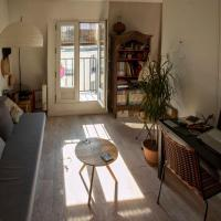 Charming COSY apt with BALCONY near BEL AIR