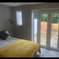 Stylish house near rugby town centre
