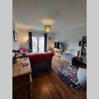 Modern two bedroom, two bathroom flat in Glasgow's West End