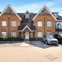 Modern and Stylish Penthouse Apartment next to Maidenhead Golf Course