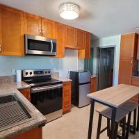 Private Condo with Private entrance, 8 min from the Beach, hotel in Honolulu