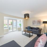 Classy 4Bedroom Garden House with WIFI and Parking, hotel in Bingham