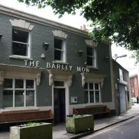 The Barley Mow centrally located 3 bed apartment