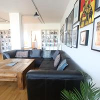Funky urban two bed flat in the heart of Bristol