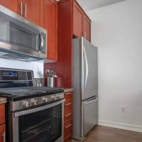 Perfect Huge 2bed2bath Luxury BRENTWOOD building, hotel in Los Angeles