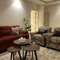 شقة فاخرة بثلاث غرف نوم, hotel near King Khalid Airport - RUH, Riyadh