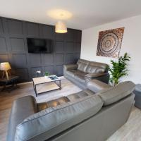Flexley House 4 Dbl Beds Workstays UK