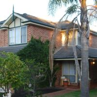 Cutmore Cottages - Highclaire House, hotel in Blacktown