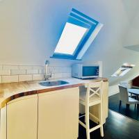 Modern Studio Flat by Ealing Common Station