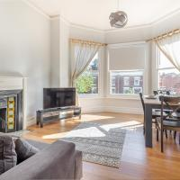 Modern 2 Bedroom Apartment with Free Parking!