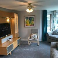 Spacious Luxury 2 bed Flat with Sauna and triple garage
