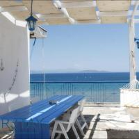 PentHouse & Apartments By The Sea Near Airport, hotel in Artemida