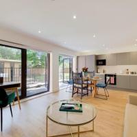 Stunning Ealing Common Apartment