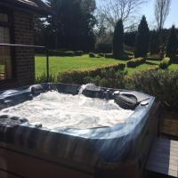 The Fortis House Bournemouth, with Swimming Pool and Hot Tub Jacuzzi