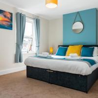 Spacious 2 Bedroom House,Sleeps 6, Parking and Garden, Cheltenham