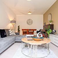 Angus House with Pool Table. Smart TVs, Garden and Free Parking by Yoko Property