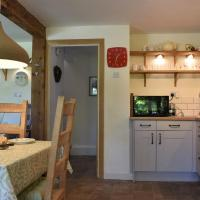 Beech Tree Cottage at Blackaton Manor Farm, hotel in Widecombe in the Moor