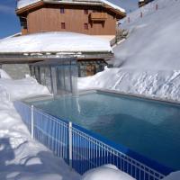Appartement 6 pers à 1800 M, piscine chauffée.