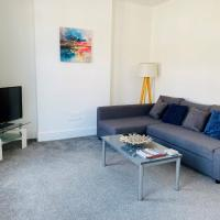 Grosvenor Road Apartment by Aldershot Short Stays