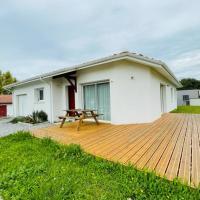 Charming house with TERRACE and GARDEN, hotel cerca de Aeropuerto de Biarritz - BIQ, Anglet