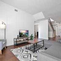 Heart of Little Italy Rooftop and Deck, Spacious Luxury Condo 506, hotel in Cleveland