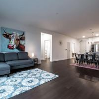 Spacious Luxury Condo in the Heart of Little Italy 302, hotel in Cleveland
