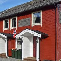 Three-Bedroom Holiday home in Måndalen