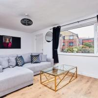 Stylish 3 Bedroom House - Close to the centre