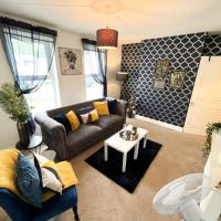 Gillingham Centre Modern Apartment