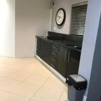 10 Guest-7bedroom residential home with fibre&DSTV