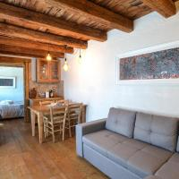 Nice apartment in Ovaro with WiFi and 1 Bedrooms, hotel a Ovaro