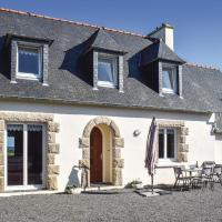 Awesome home in Kerbors w/ WiFi and 3 Bedrooms, hôtel à Kerbors