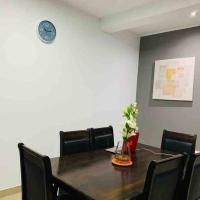 Departamento de 3 habitaciones en urb cerrada, hotel in Piura