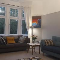 Spacious 2 Bedroom Apartment in Glasgow, 2 Miles from COP26