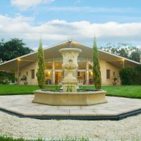 The Gatehouse at Villa Raedward, hotel em Yering