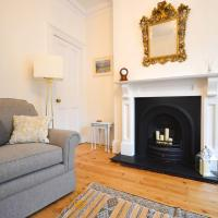 Beautiful 2 Bedroom House off Gloucester Road