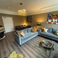 Impeccable 4-Bed Apartment in Central Bath