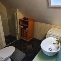 Lys og romslig 2 roms leilighet med koselig sovealkove., hotel in Trondheim