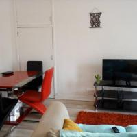 COP26 Lovely 2 Bedroom Flat with Balcony, Glasgow