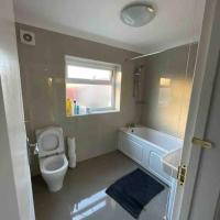 Cranbrook Lodge/ 5 Bedroom Family Home
