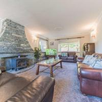 Pass The Keys Traditional Lakeland House with Beautiful Gardens