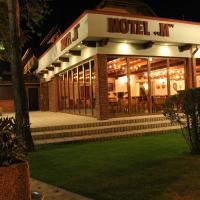 Motel M, hotel v destinácii Malacky