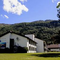 Nordfjord Hotell, hotel in Nordfjordeid