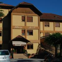Albergo Rusall, hotell i Tremezzo
