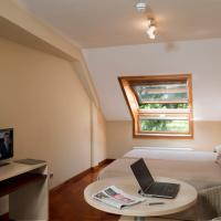 Apartamentos Attica21 Portazgo, hotel near A Coruña Airport - LCG, A Coruña