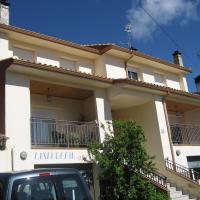 Apartamentos Rascafria Cerquilla, hotel en Rascafría
